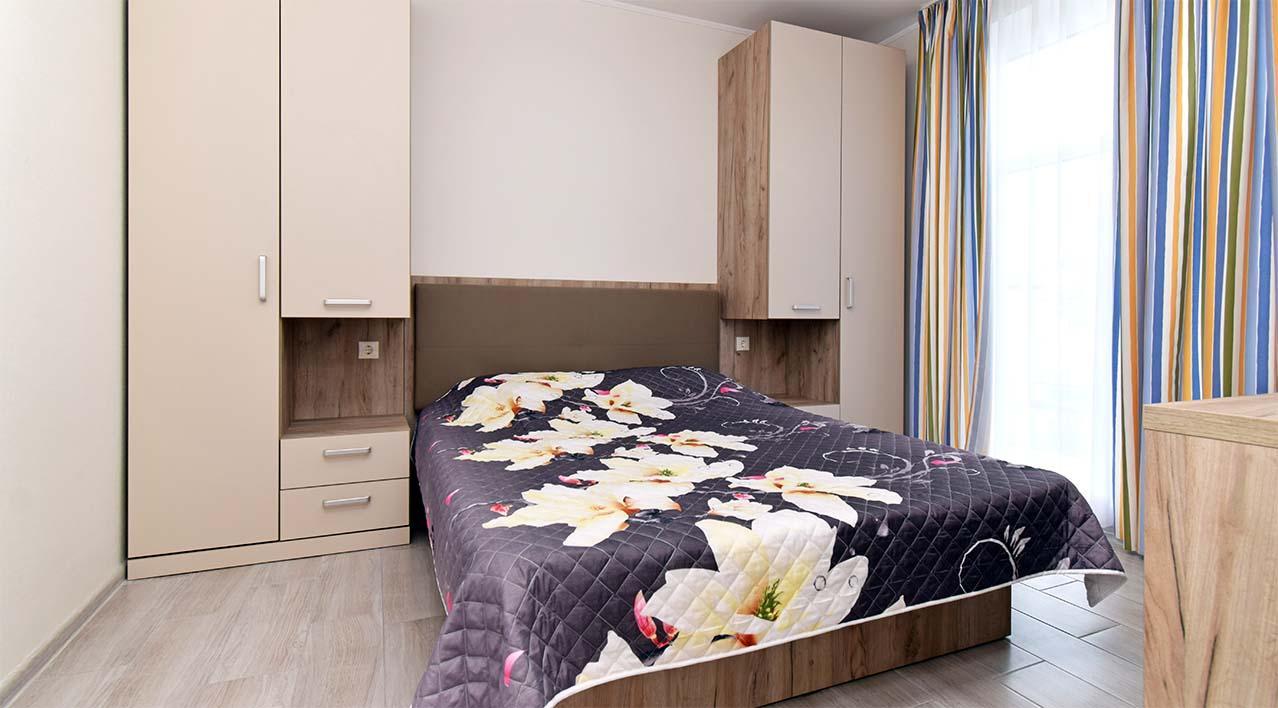 Двокімнатні апартаменти з кухнею студіо